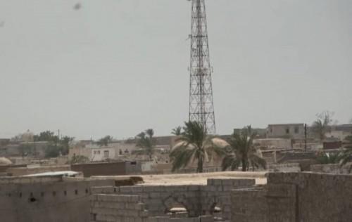 """مليشيات الحوثي تقصف مواقع """"العمالقة"""" في التحيتا والفازة بالحديدة"""