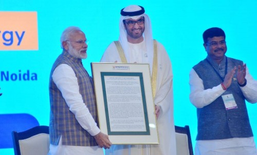 خليفة: الإمارات علامة فارقة في صناعة الأمجاد