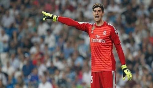 حارس ريال مدريد: تنتظرنا مباراة قوية أمام أياكس