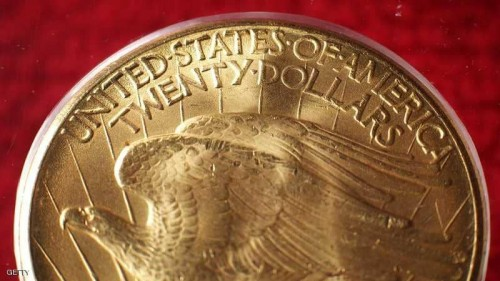 أسعار الذهب تنخفض تأثرًا بارتفاع الدولار