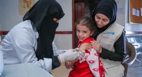 اليونيسيف تدعو الأباء إلى تطعيم أطفالهم ضد الحصبة في اليمن