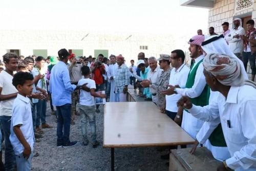 تدشين توزيع الكتب المدرسية للمرحلتين الأساسي والثانوي في سقطرى.. (صور)