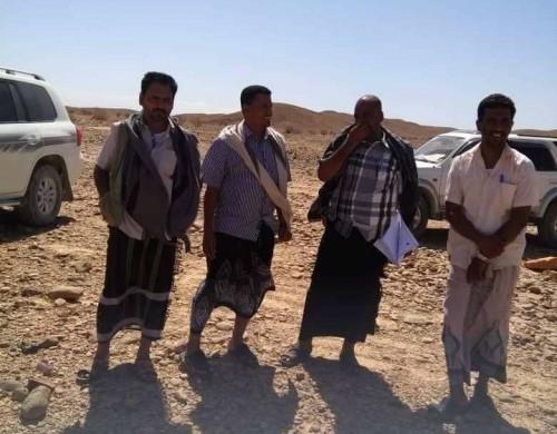 """""""تعليم"""" غيل بن يمين بحضرموت تُسَلِّم موقع مشروع بناء مدرسة وادي نحب للمقاول"""