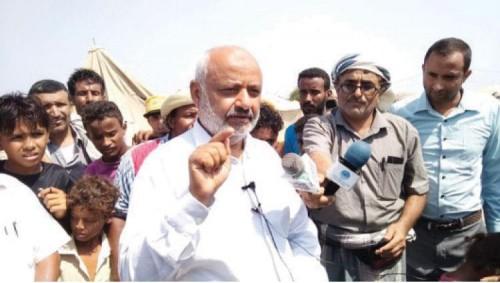 محافظ الحديدة يزور موقع مشروع مخيم نازحي المحافظة