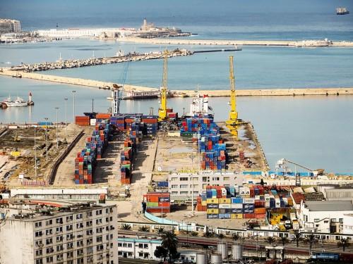 بسبب الأجور.. إضراباً عاماً في أكبر ميناء بالجزائر