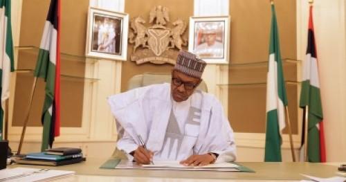 الرئيس الأمريكى الأسبق يجري اتصالا هاتفيا برئيس نيجيريا