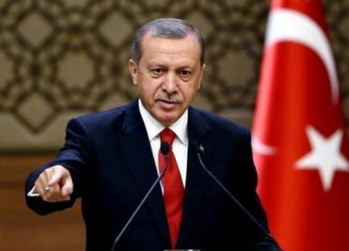 إعلامي يُغرد عن رقص أردوغان في الكرملين والبيت الأبيض (تفاصيل)