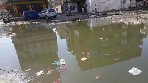 أهالي المنصورة يجددون شكواهم من تعرض منازلهم للغرق في مياه الصرف