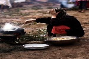 الموقد الشمسي.. حيلة أم همدان للتغلب على انتهاكات المليشيات