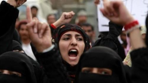 إعلامي يُجيب.. هل سيعدم الحوثيين أسماء العميسي؟
