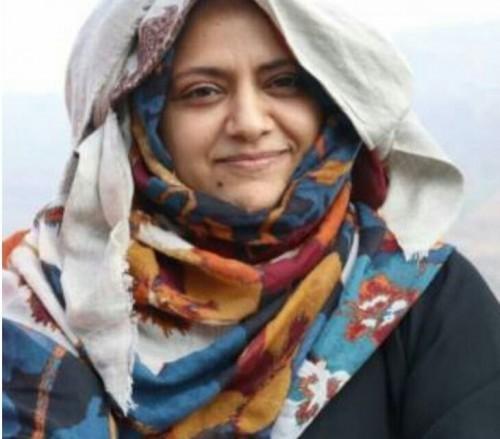 عاجل .. مليشيا الحوثي تفرج عن الناشطة أوفي النعامي