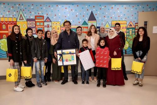 بالصور.. النجم راغب علامة يزور أطفال السرطان بالأردن