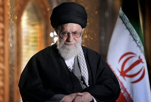 تويتر  يحذف تغريدة للمرشد الإيراني لهذا السبب
