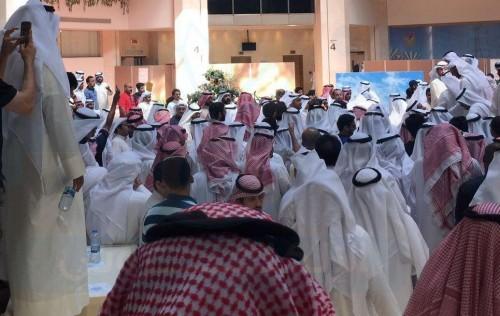 اعتصام أمام البرلمان الكويتي للمطالبة بإسقاط القروض
