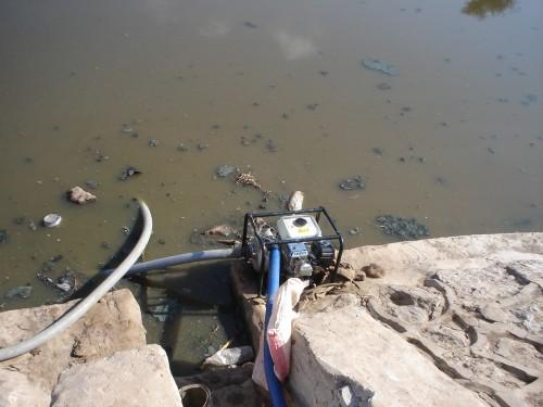 """مليشيا الحوثي تغسل """"مياهها الملوثة"""" بالأكاذيب"""