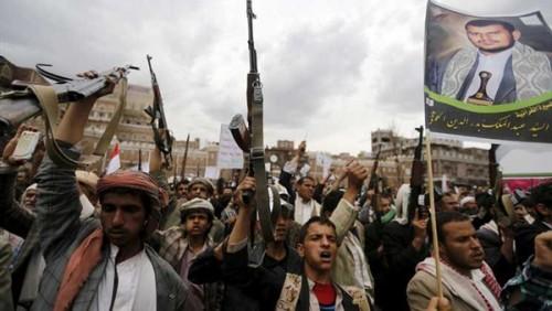 مليشيات الحوثي تجبر الموظفين والطلاب على حضور مسيرتهم ضد مؤتمر وارسو (خاص)