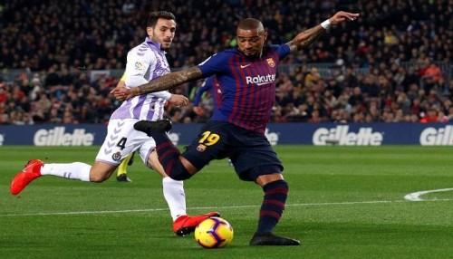 لاعب برشلونة يتعرض للسرقة أثناء مباراة بلد الوليد