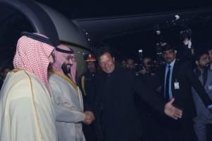 ولي العهد السعودي يوقع اتفاقيات مشتركة مع باكستان بـ20 مليار دولار