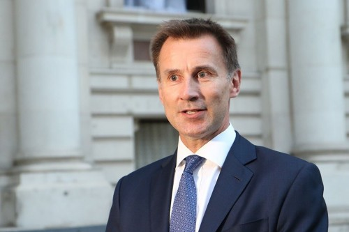 الخارجية البريطانية تطالب بإنجاز اتفاق الحديدة سريعا