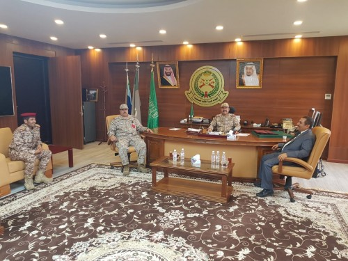 محافظ حجة يناقش مع قيادة القوات المشتركة بجازان أوضاع حجور