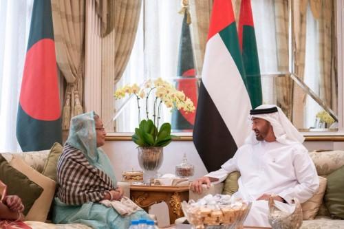 الحربي ينشر صورة للشيخ زايد ورئيس بنجلاديش