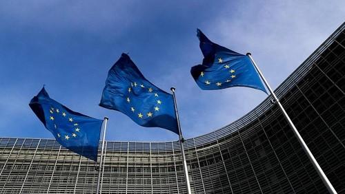 """""""الاتحاد الأوروبي"""" يهدد بفرض عقوبات جديدة على مادورو"""