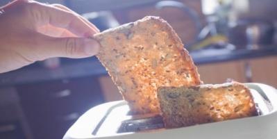 لهذه الأسباب ..علماء يحذرون من الخبز المحمّص