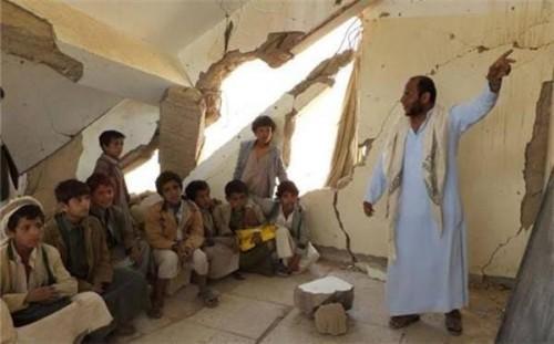 بعد تدمير 2000 مدرسة.. المليشيات تزعم إنشاء 12 فصلا دراسيا!