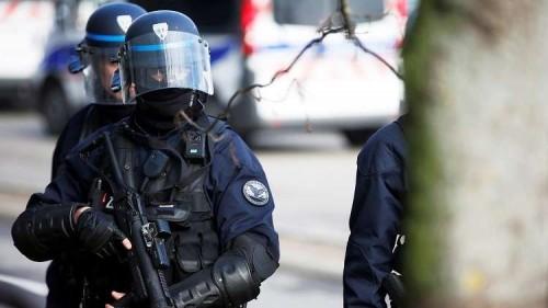 بعد إطلاق نار.. فرنسا تحذر المواطنين من الإقتراب من منطقة كانبيار