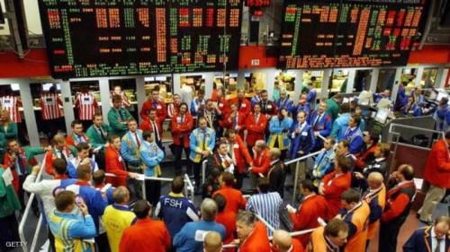 أسعار النفط تهبط لتقلص الطلب على الخام