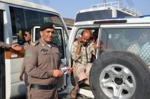 القبض على 5 وافدين يمنيين في السعودية لهذا السبب