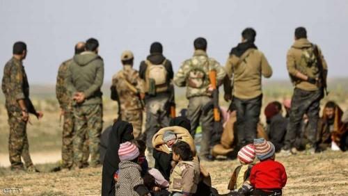 عشرات الشاحنات تقل مدنيين من آخر معقل لتنظيم داعش بسوريا