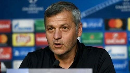 مدرب ليون: التعادل مع برشلونة نتيجة جيدة لنا
