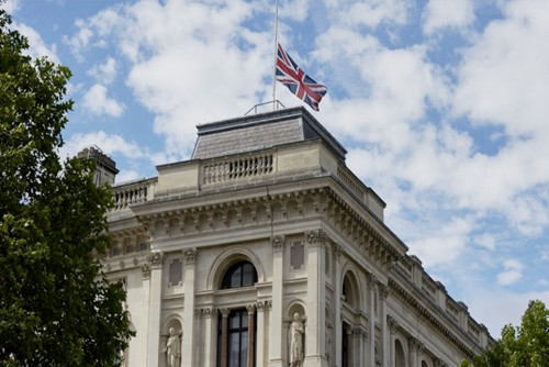 """الخارجية البريطانية تشارك في """"اليوم العالمي للغة الأم"""""""