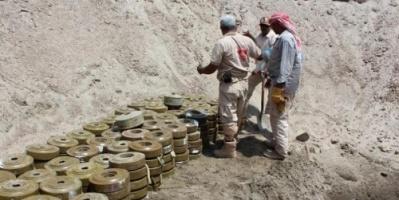 ألغام الحوثي تقتل مواطن وتصيب طفل في تعز