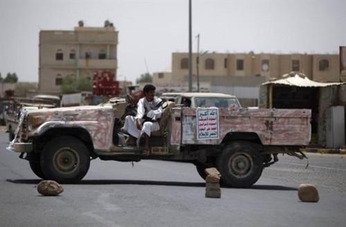 جنون الحوثي.. اختطاف امرأة مع 4 من أطفالها خلال نزوحهم من حجور لصعدة
