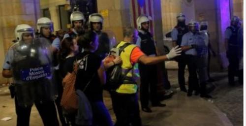 احتجاجات في كتالونيا اعتراضا على محاكمة 12 من الزعماء السياسيين