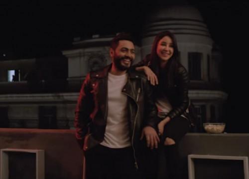 """تامر حسنى يحتفل بتخطي أغنية """" ناسيني ليه """" 10 ملايين مشاهدة (فيديو)"""
