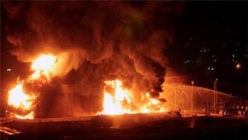 حريق هائل في منزل مسؤول بارز.. والجهات المعنية بعدن تحقق