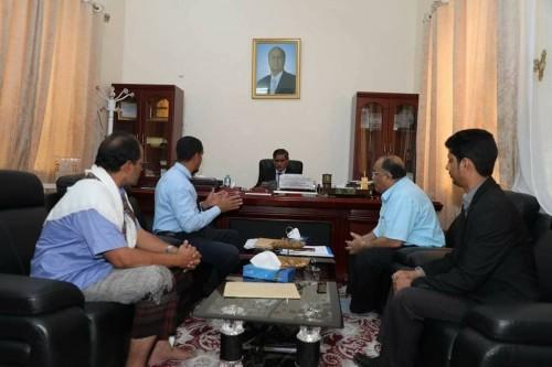 محافظ حضرموت يشهد توقيع اتفاقيتين لتنظيم عمل المحاجر بالمكلا وغيل باوزير
