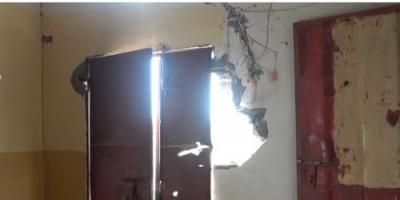 مليشيات الحوثي تقصف منازل المواطنين في المسنا بالحديدة (فيديو)