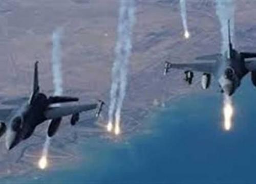 مقاتلات التحالف العربي تقصف مواقع تنظيم القاعدة في أبين