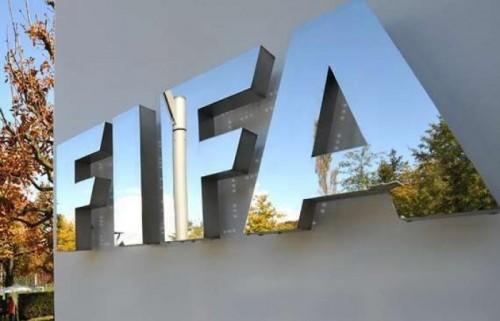 """""""فيفا"""" يسحب تنظيم كأس العالم من بيرو"""