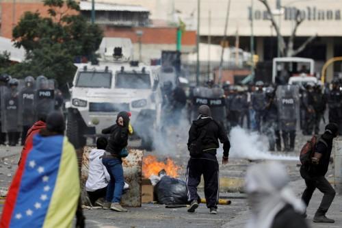 قتيلان في اشتباكات حادة على حدود البرازيل وفنزويلا
