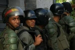 بعد الانشقاق.. 60 عنصرًا أمنيًا فنزويليًا يلجأون إلى كولومبيا