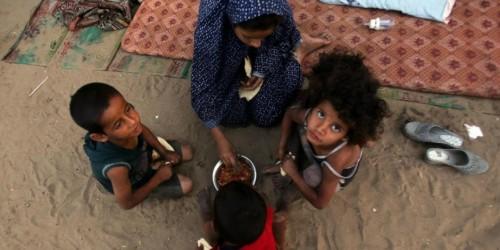 """تجويع اليمنيين.. إجرامٌ حوثي يستهدف """" أطول فترة بقاء """""""