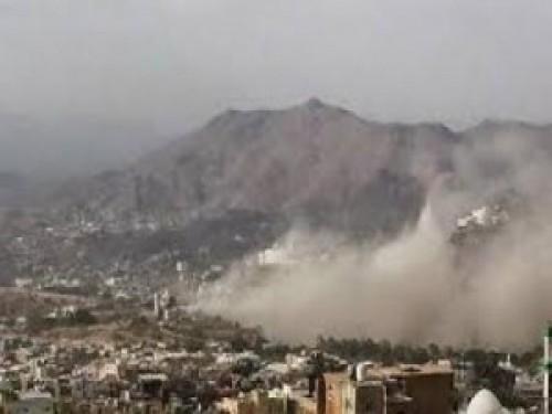مليشيا الحوثي تحشد مقاتليها إلى محيط منطقة حجور بحجة
