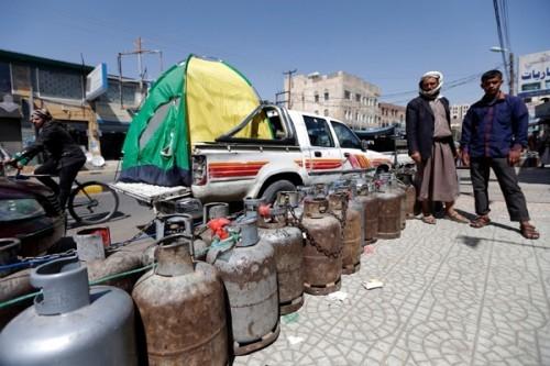 """كذبةٌ بعد سرقةٍ.. ماذا فعلت مليشيا الحوثي بـ"""" غاز صنعاء """"؟"""