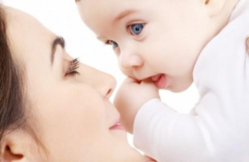 دراسة حديثة : الرضاعة الطبيعية تحمي الأطفال من الإكزيما