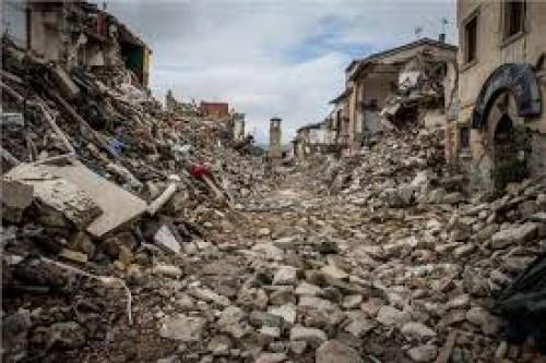 مصرع شخصين جراء زلزال غرب الصين